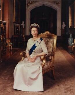 Queen Elizabeth II, by Peter Grugeon - NPG P1553
