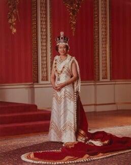 Queen Elizabeth II, by Peter Grugeon - NPG P1555