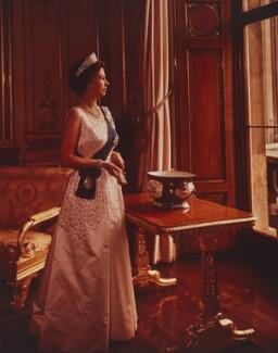 Queen Elizabeth II, by Yousuf Karsh - NPG P1558