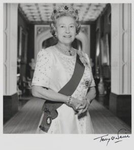 Queen Elizabeth II, by Terry O'Neill - NPG P1600