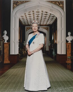 Queen Elizabeth II, by Terry O'Neill - NPG P1601