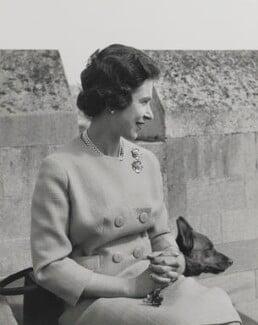 Queen Elizabeth II, by Studio Lisa (Lisa Sheridan) - NPG P1623