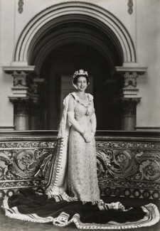 Queen Elizabeth II, by Lord Snowdon - NPG P1645