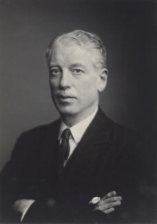 Gerald Chester Kearley, 2nd Viscount Devonport, by Walter Stoneman - NPG x167118