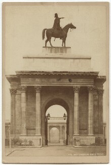 View of the Wellington Arch with the Duke of Wellington statue by Matthew Cotes Wyatt, by London Stereoscopic & Photographic Company - NPG x134826