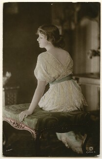 Dame Gladys Cooper, by Sarony & Co - NPG Ax160301