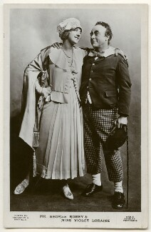 Violet Loraine and George Robey in 'The Bing Boys Are Here', by Foulsham & Banfield, published by  J. Beagles & Co - NPG Ax160326