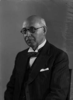 Sir Walter Samuel Kinnear, by Bassano Ltd - NPG x155719