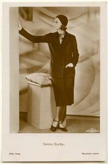 Greta Garbo, published by Ross-Verlag - NPG Ax160458