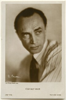 Conrad Veidt, by Binder (Alexander Binder), published by  Ross-Verlag - NPG Ax160464