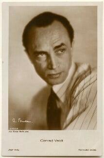 Conrad Veidt, by Binder (Alexander Binder), published by  Ross-Verlag, 1920s - NPG Ax160464 - © National Portrait Gallery, London