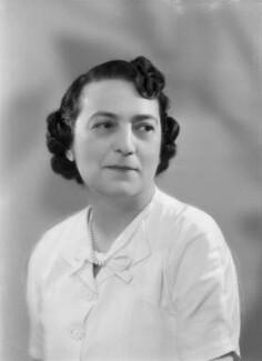 Doreen Esther (née Klean), Lady Gluckstein, by Bassano Ltd - NPG x177641