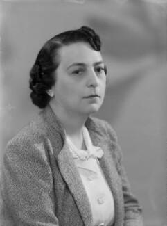 Doreen Esther (née Klean), Lady Gluckstein, by Bassano Ltd - NPG x177644
