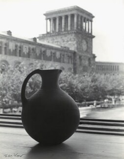 '3000 year old Armenian pot and the State History Museum of Armenia', by Ida Kar - NPG x135023