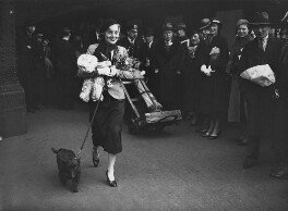 Pat Paterson at Waterloo Station leaving for Hollywood, by Edward Malindine, for  Daily Herald - NPG x135053