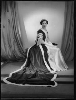 Mary Kathleen Bridgeman (née Lane-Fox), Viscountess Bridgeman, by Navana Vandyk - NPG x130449