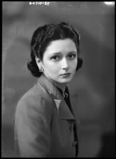 Lady Elizabeth Hester Mary von Hofmannsthal (née Paget), by Bassano Ltd, 18 April 1939 - NPG x156217 - © National Portrait Gallery, London