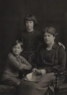 Christopher Strachey; Barbara Strachey (Hultin, later Halpern); Ray Strachey, by Elliott & Fry, 1922 - NPG Ax161151 - © National Portrait Gallery, London