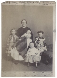 Smith family group, by Unknown photographer - NPG Ax160511