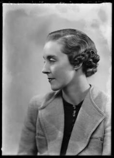 Hon. Barbara Mary Vandernoot (née Cokayne), by Bassano Ltd - NPG x104384