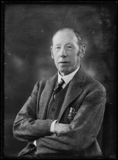 Reginald Lindesay-Bethune, 12th Earl of Lindsay, by Bassano Ltd - NPG x157358