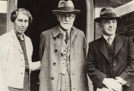 Mathilde Hollitscher (née Freud); Sigmund Freud; Alfred Ernest Jones, by Unknown photographer, for  International News Photos - NPG x135930