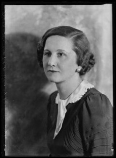 Dorothy (née Downing, later Gundersen), Viscountess Tarbat, by Bassano Ltd, 30 June 1934 - NPG x105045 - © National Portrait Gallery, London