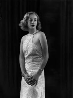 Lady Isobel Blunt-Mackenzie (later Lady Isobel Linda), by Bassano Ltd - NPG x105058