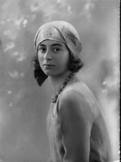 Lady Isobel Blunt-Mackenzie (later Lady Isobel Linda), by Bassano Ltd - NPG x157854