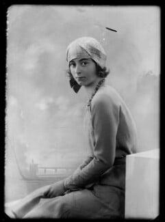 Lady Isobel Blunt-Mackenzie (later Lady Isobel Linda), by Bassano Ltd - NPG x157855
