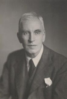 Arnold Joseph Toynbee, by Walter Stoneman - NPG x167182
