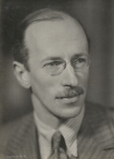 Sir Basil Henry Liddell Hart, by Howard Coster, 1930s - NPG Ax136062 - © National Portrait Gallery, London