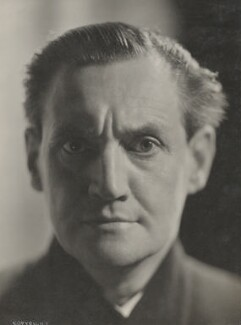 Henry Hinchliffe Ainley, by Howard Coster, July 1929 - NPG Ax136071 - © National Portrait Gallery, London