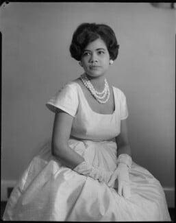 Mrs F. Asafu Adjaye, by Rex Coleman, for  Baron Studios, 1961 - NPG x105397 - © National Portrait Gallery, London