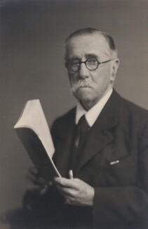 Edmund Bernard Fitzalan-Howard, 1st Viscount Fitzalan of Derwent, by Walter Stoneman - NPG x169053
