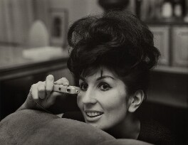 Alma Cogan, by Bob Collins, 1963 - NPG x136356 - © estate of Bob Collins / National Portrait Gallery, London