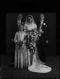 Wedding of Prince Louis von Schönburg-Hartenstein and Princess Dilys Schonburg-Hartenstein (née Marten), by Bassano Ltd, September 1935 - NPG x158257 - © National Portrait Gallery, London
