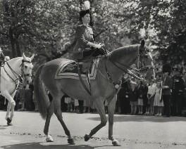 Queen Elizabeth II, by Les Appleton, for  International News Photos - NPG x136393