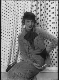 Gertrude Lawrence, by Paul Tanqueray - NPG x180223