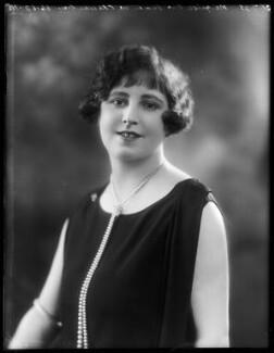 Marquise Nora Vivien de Châteaubrun (née Lynch), by Bassano Ltd, 31 July 1925 - NPG x158423 - © National Portrait Gallery, London