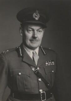 Sir Leslie Chasemore ('Jo') Hollis, by Walter Stoneman - NPG x168381