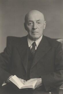 Sir Owen Willans Richardson, by Walter Stoneman - NPG x159902