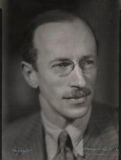 Sir Basil Henry Liddell Hart, by Howard Coster, 1930s - NPG Ax136145 - © National Portrait Gallery, London