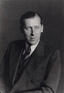 Geoffrey William Geoffrey-Lloyd, Baron Geoffrey-Lloyd of Broomfield, by Walter Stoneman - NPG x168985