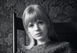 Marianne Faithfull, by Chris O'Dell, circa 1963 - NPG x137065 - © Chris O'Dell / National Portrait Gallery, London