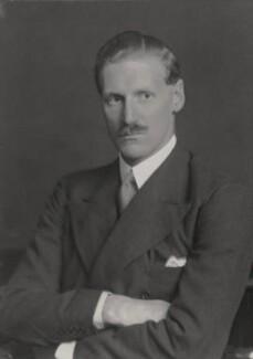 Henry James Scrymgeour-Wedderburn, 11th Earl of Dundee, by Walter Stoneman - NPG x185194