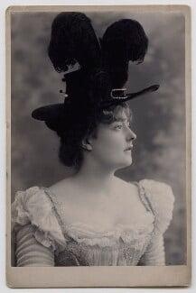 Maude ('Maudie') Francis (Francesca Charlotte Schmidt), by Alexander Bassano - NPG x137158