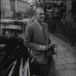Douglas Fairbanks Jr, by Francis Goodman, July 1960 - NPG x195017 - © National Portrait Gallery, London