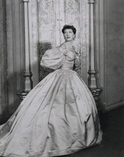 Gertrude Lawrence as Anna in 'The King and I', by Vandamm Studio - NPG x184003