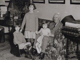 Herbert Henry Asquith, 1st Earl of Oxford and Asquith and his grandchildren, by Keystone Press Agency Ltd - NPG x184089